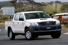 Toyota-Hilux-Double-Cab-4x4-